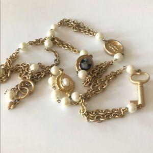 Carolee long vintage necklace